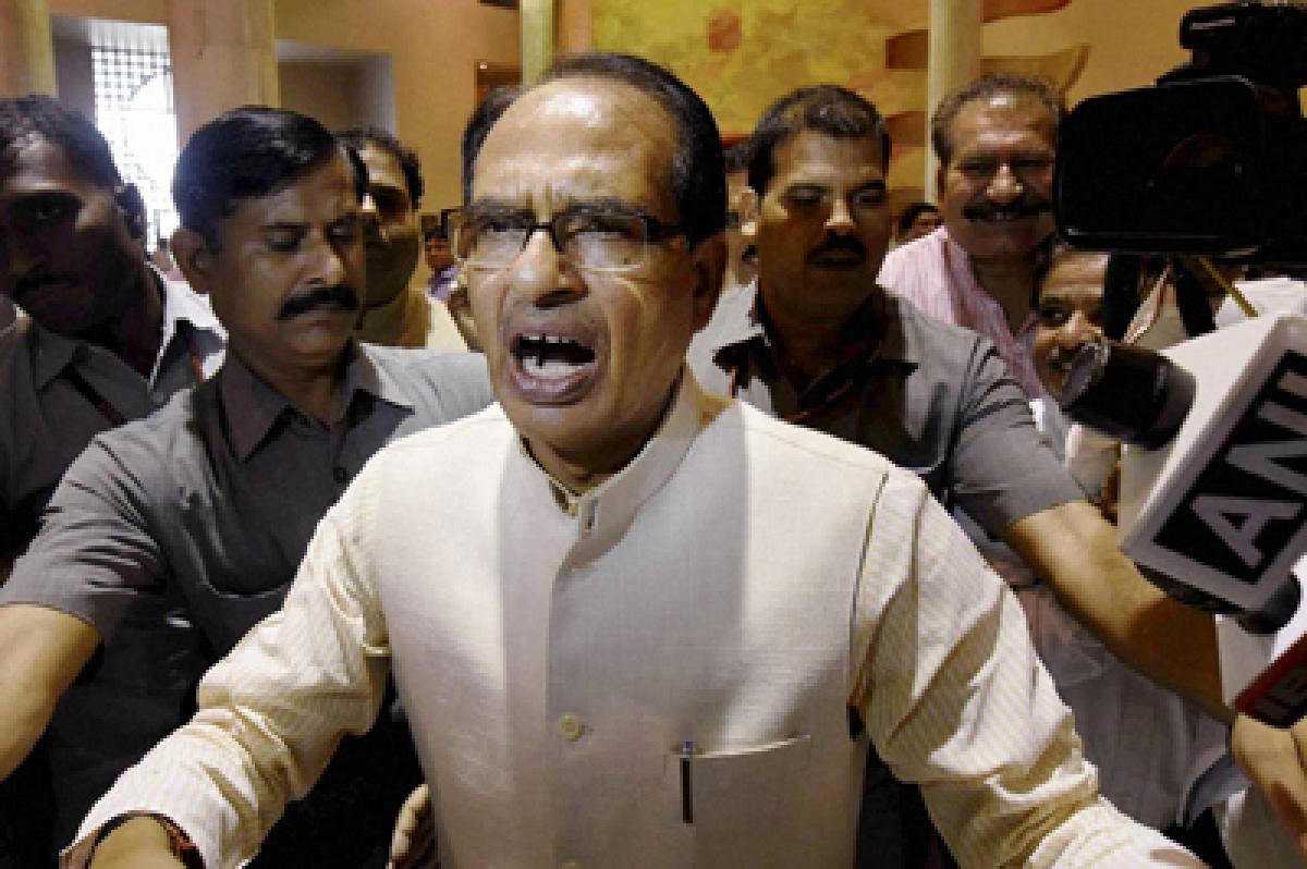 BJP red in face as Shanta Kumar head hangs in shame