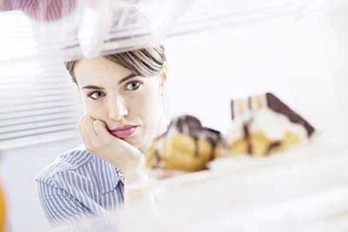 Negative mood promotes  craving for sweets: study