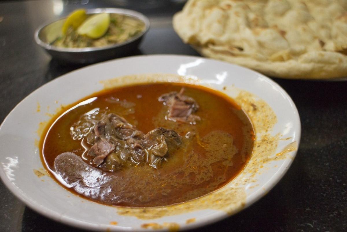 Delicious Mutton Nahari at Noor Mohammadi Picture Credits: www.mediumandrare.in