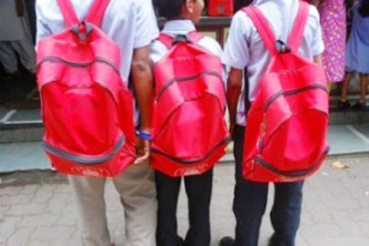 Heavy school bags will end up children  with slouched backs, posture problems
