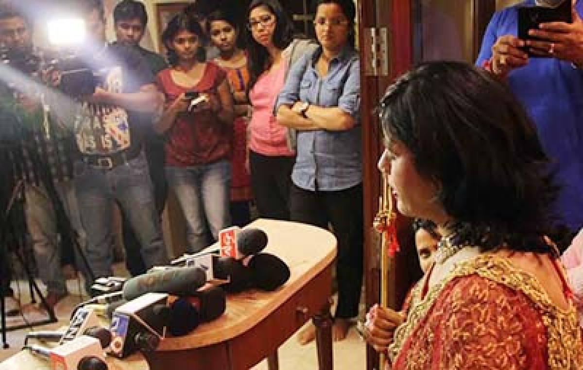 Mumbai : Radhe Maa addressing Media  at Walkeshwar Mumbai . Photo by BL SONI