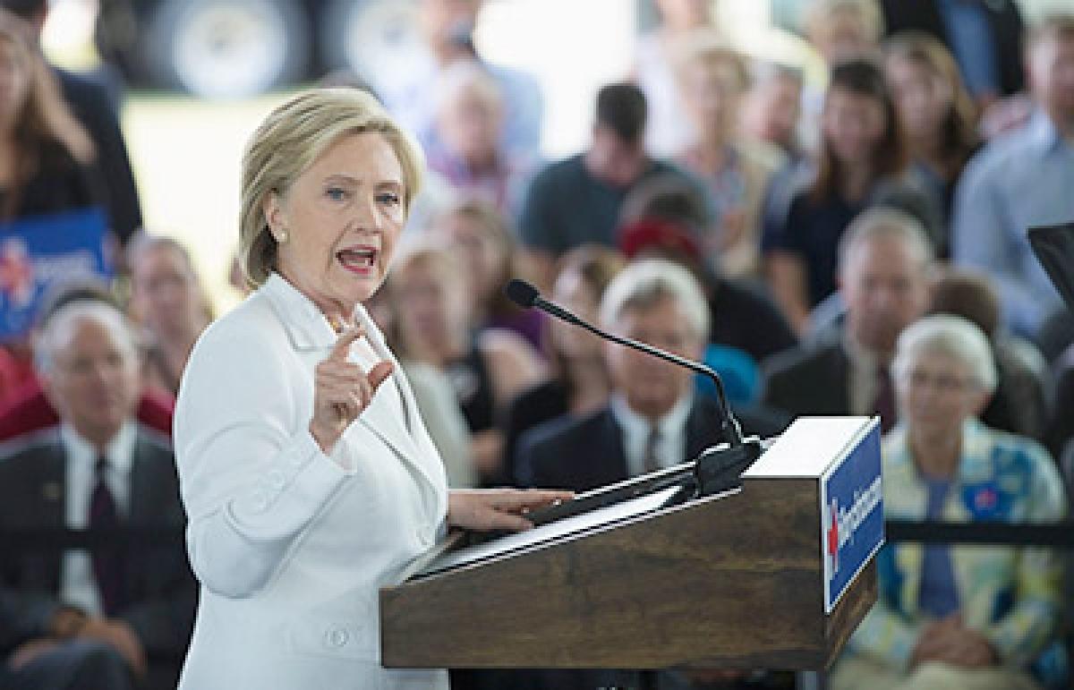 Trump lead grows,  Clinton slips: Poll