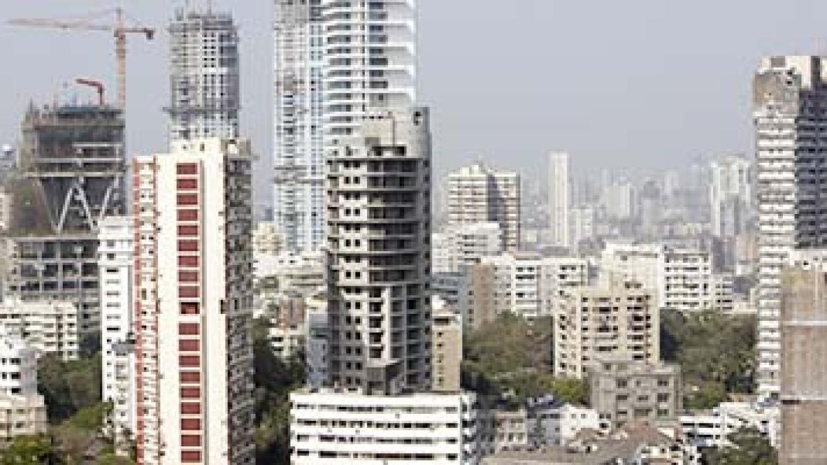 Mumbai construction skyline