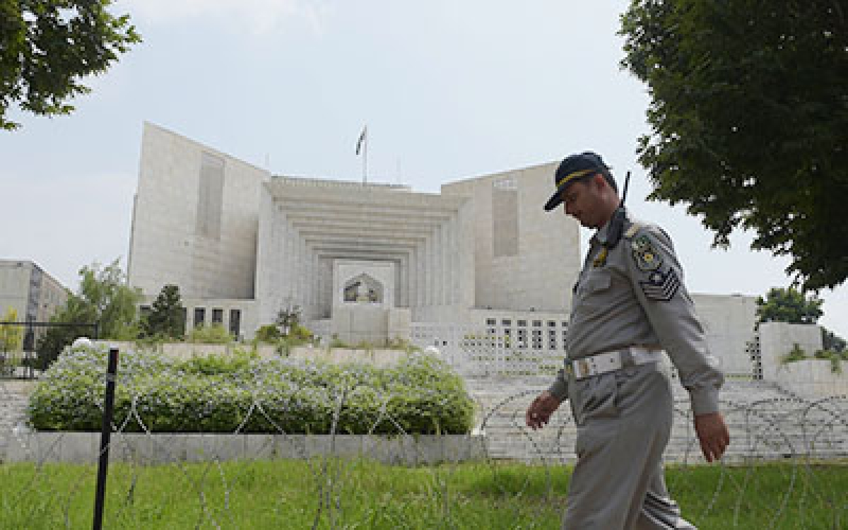Pakistan SC upholds parliament's  decision to set up military courts