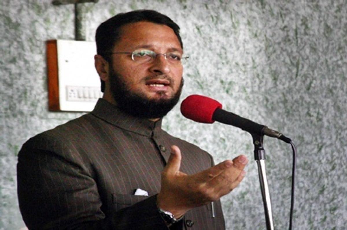 AIMIM-Congress clash: Criminal case filed against Owaisi