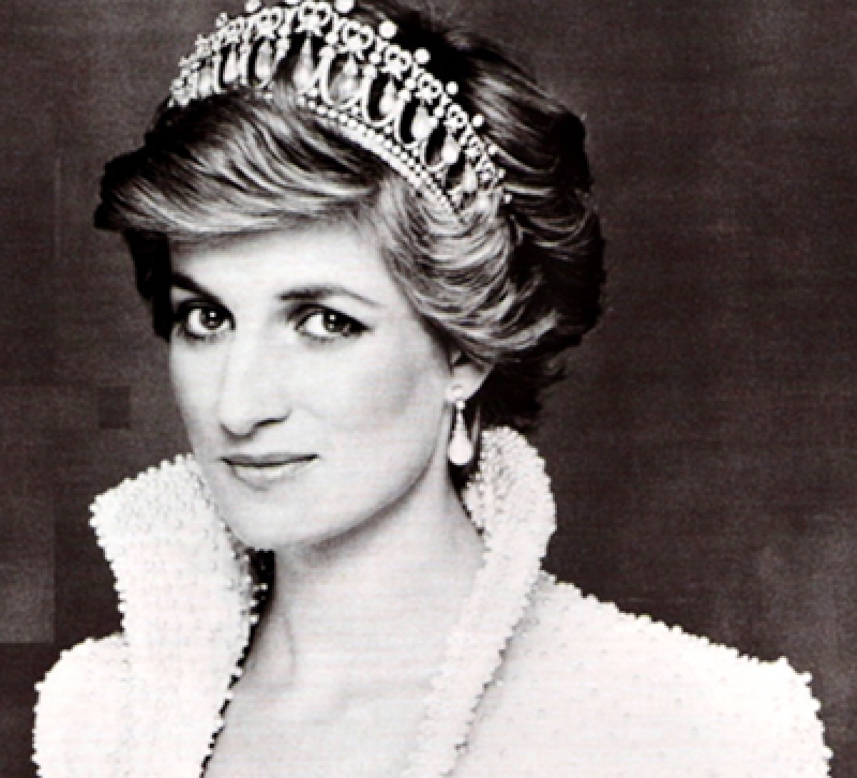 Queen didn't know how to handle 'emotional' Diana!