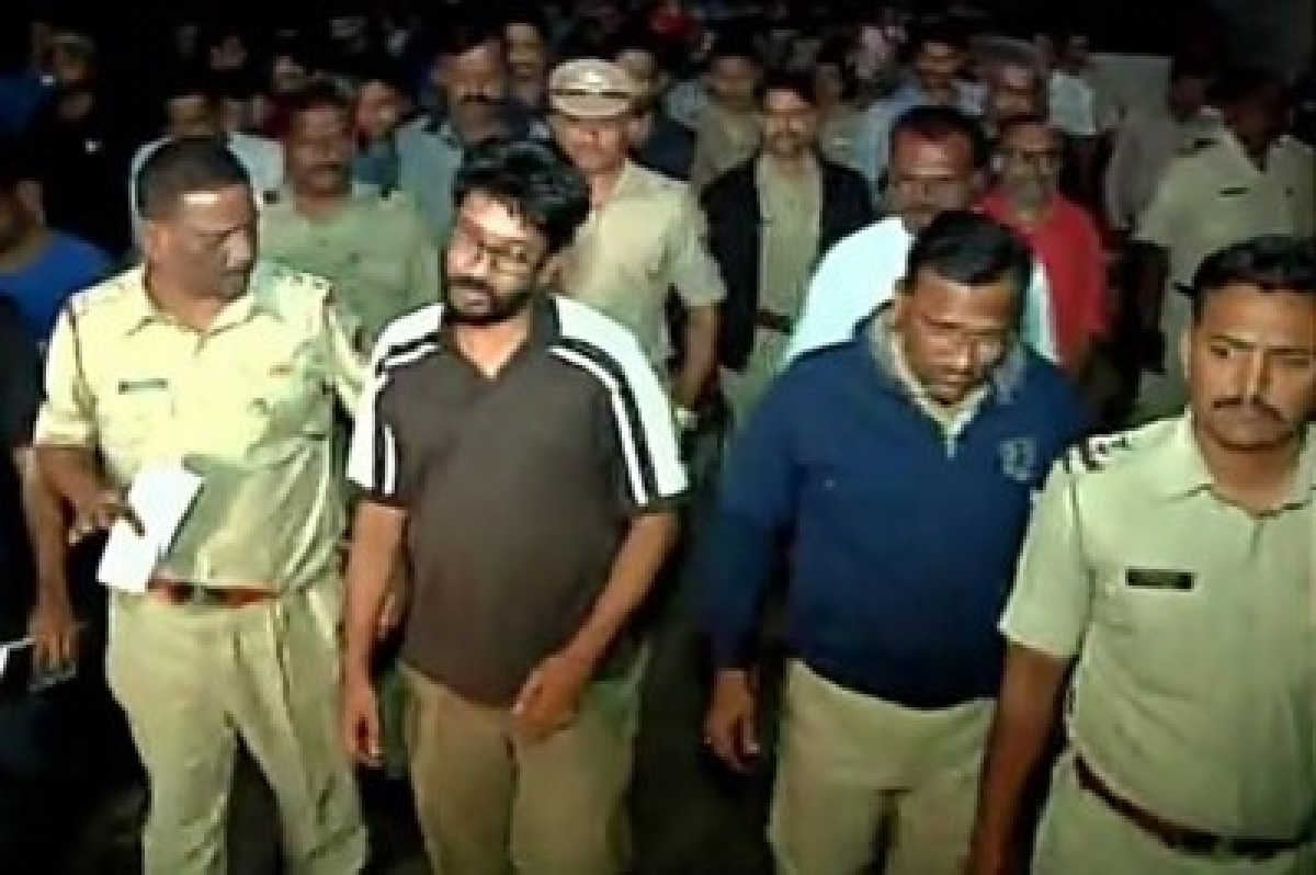 Standoff between police, FTII students amid protest on Chauhan