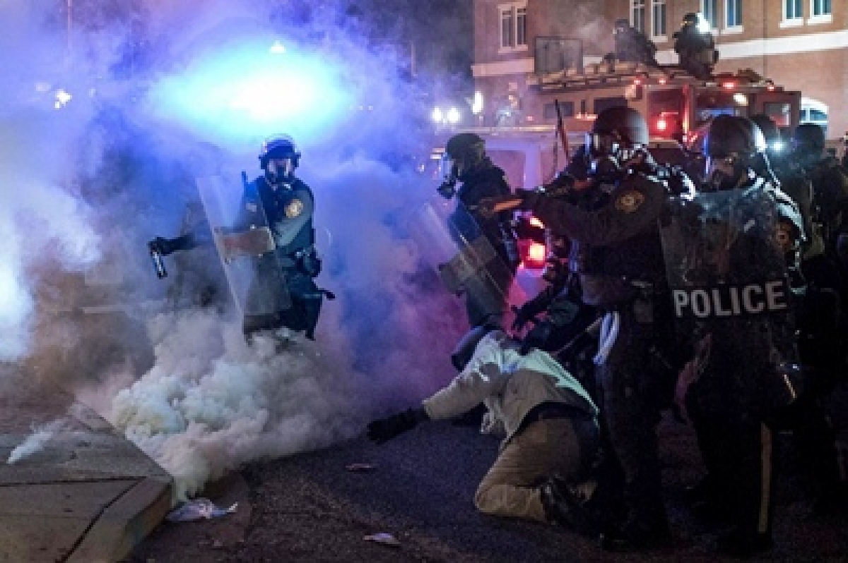 Multiple shots fired during clashes in Ferguson