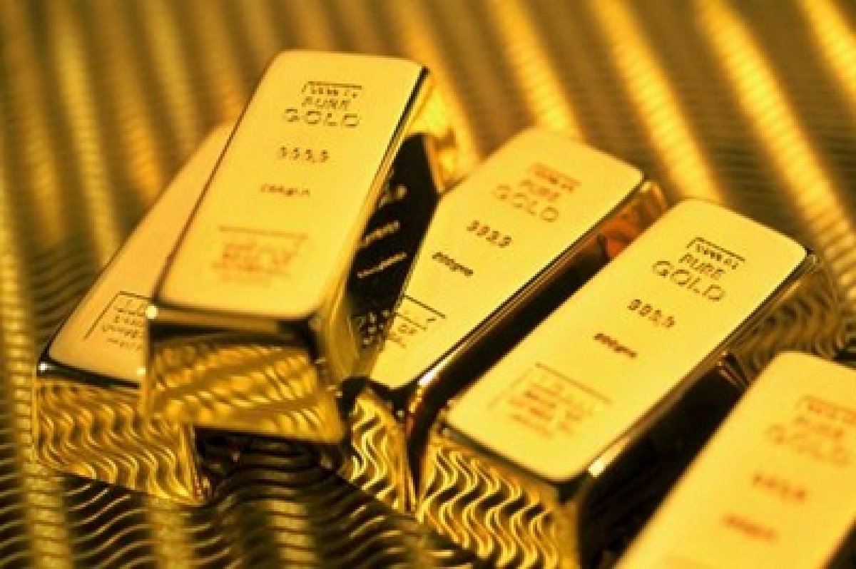 Gold dips below Rs 26,000 on global cues, sluggish demand