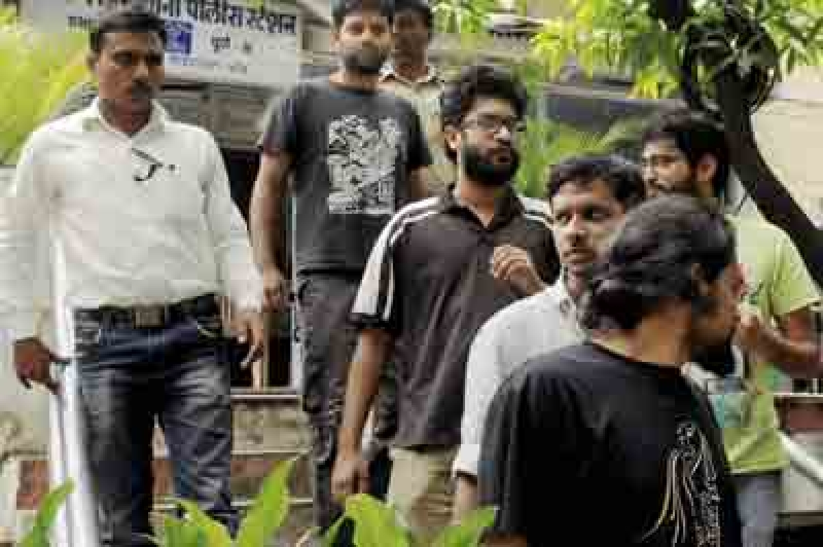 Five FTII students held for rioting