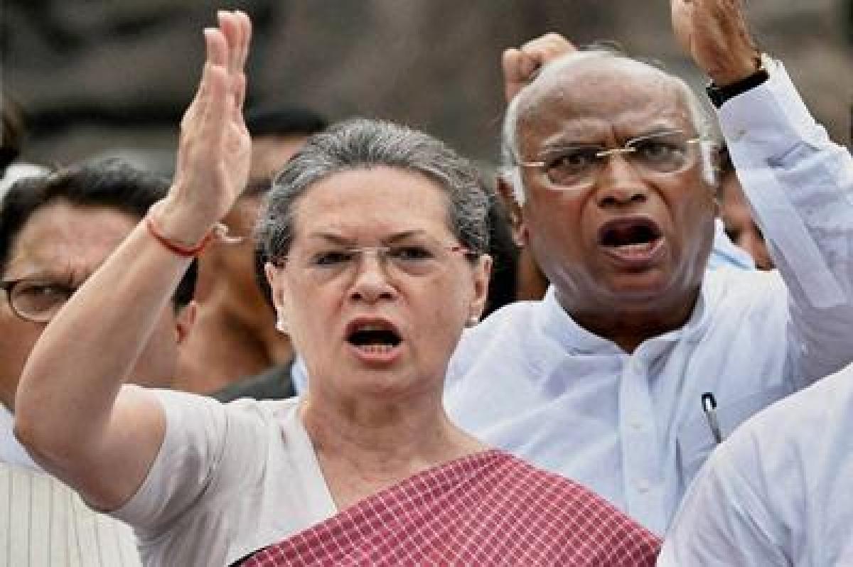 Ishrat Jahan case: Sonia defends Chidambaram