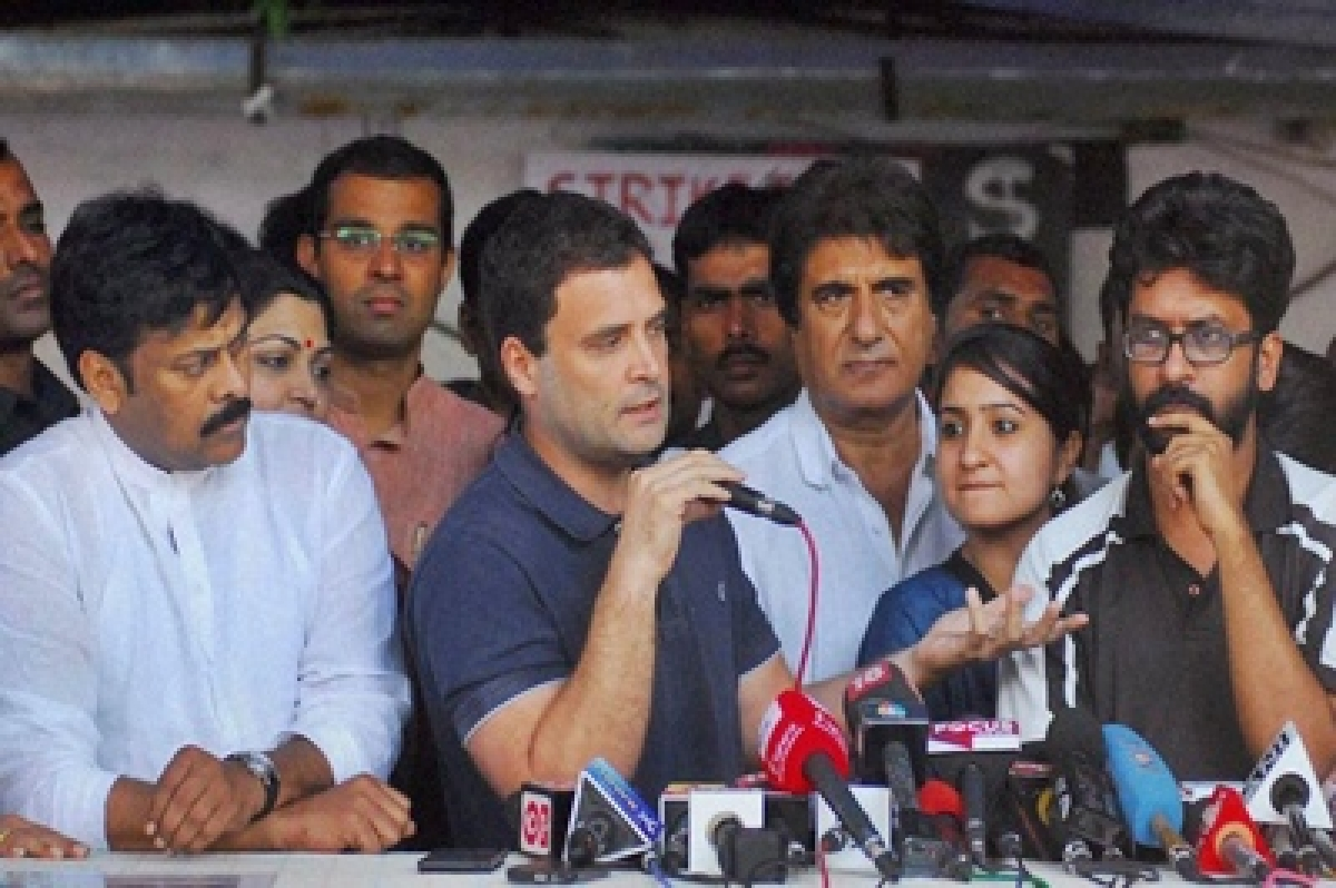 Rahul Gandhi to head to President's House with FTII students