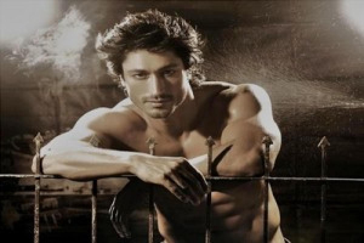 Vipul Shah wants to make action film with me, Akshay: Vidyut