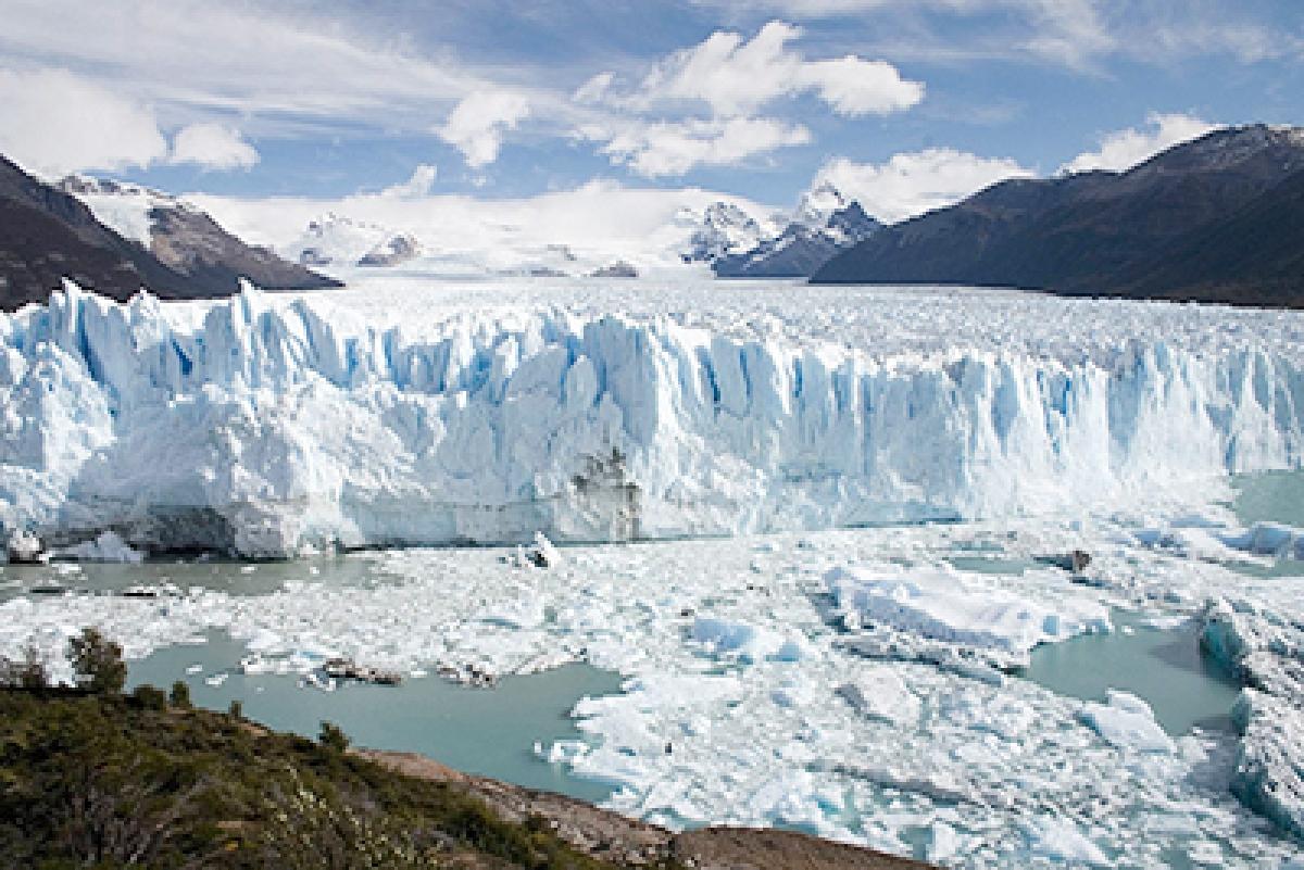 World glaciers melting at record rates