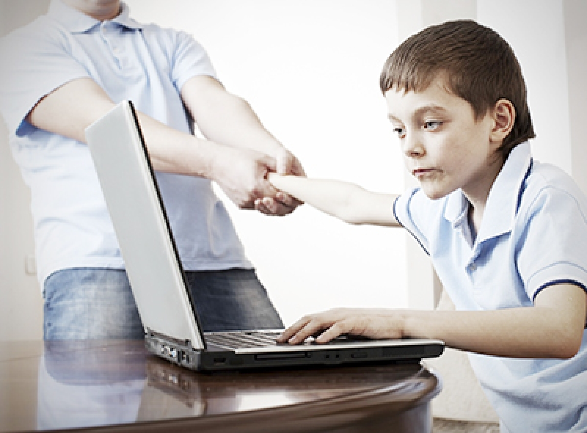 Internet addiction may  weaken immune system