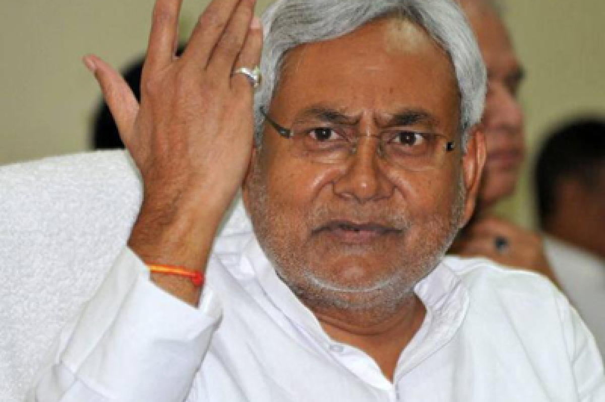 Nitish condemns arrests of FTII students