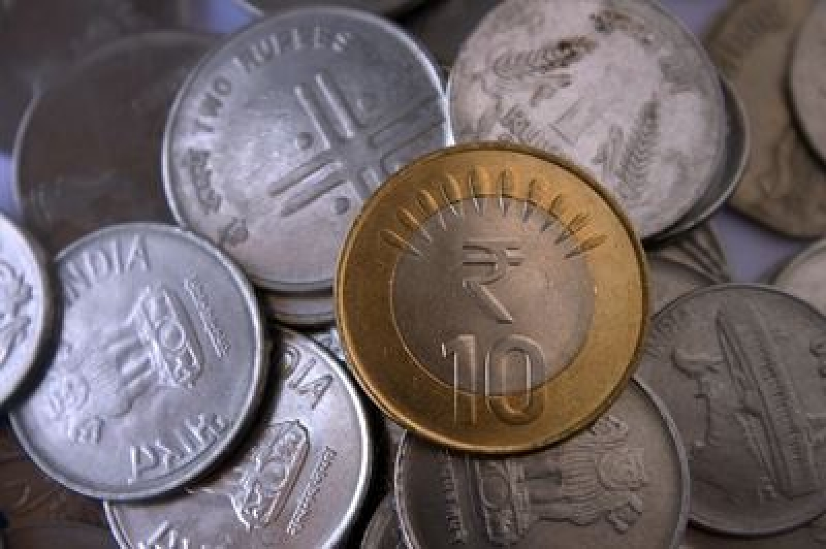Rupee claws back 11 paise to 65.53 in early trade