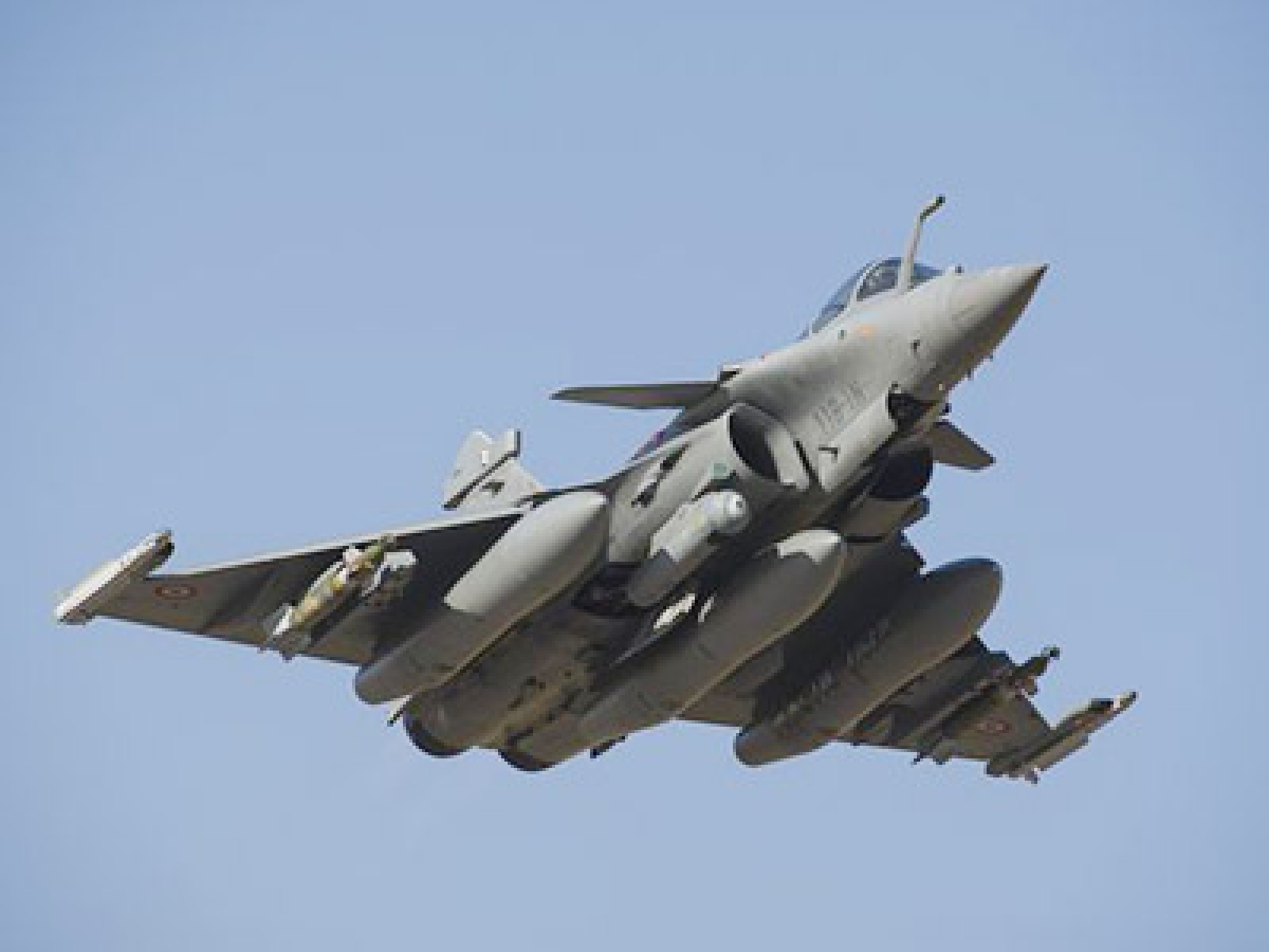 Top defence officials   negotiate Rafale deal