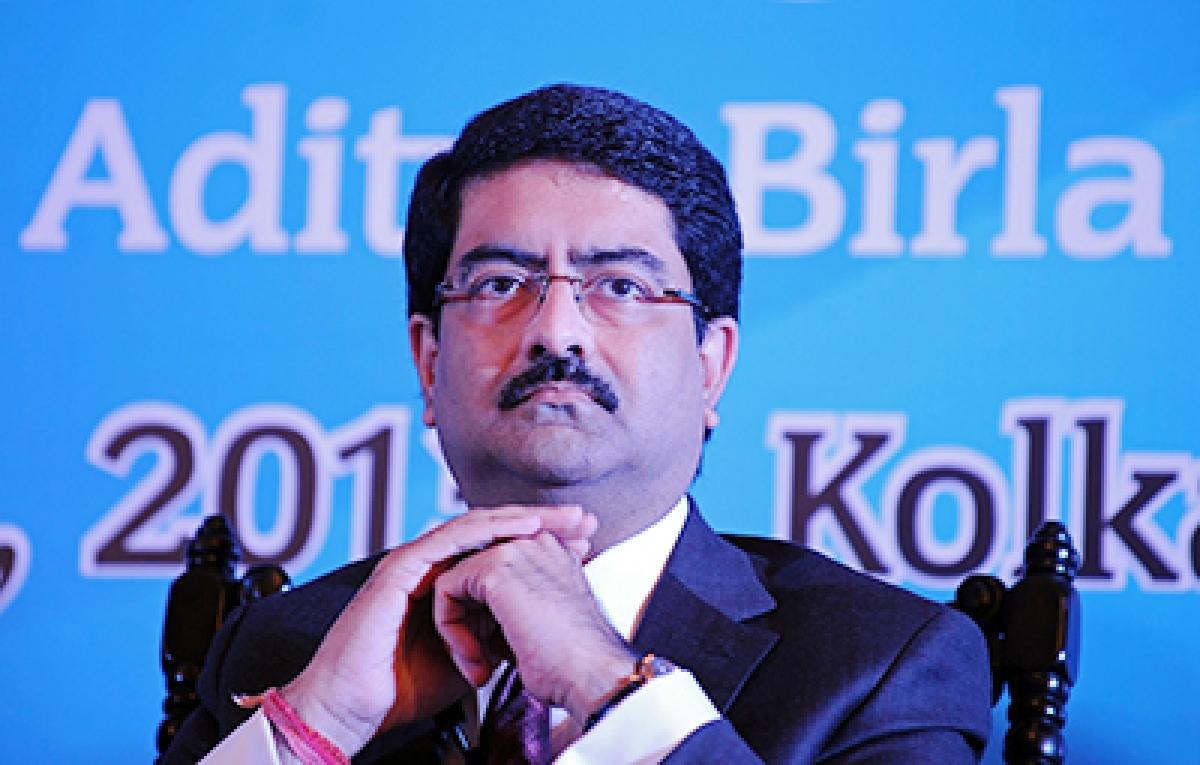 Kumar Mangalam Birla net worth down by $3 bn since Voda-Idea began sinking