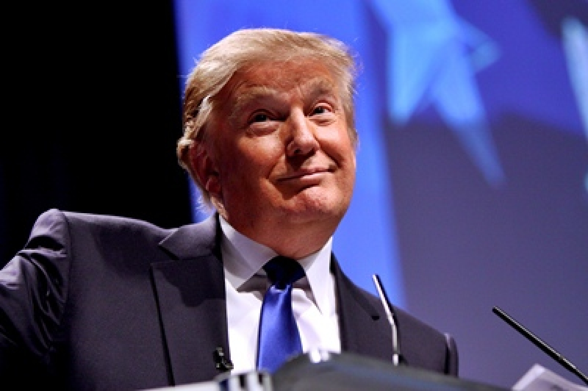 Republican sharks circle Trump for first debate of 2016