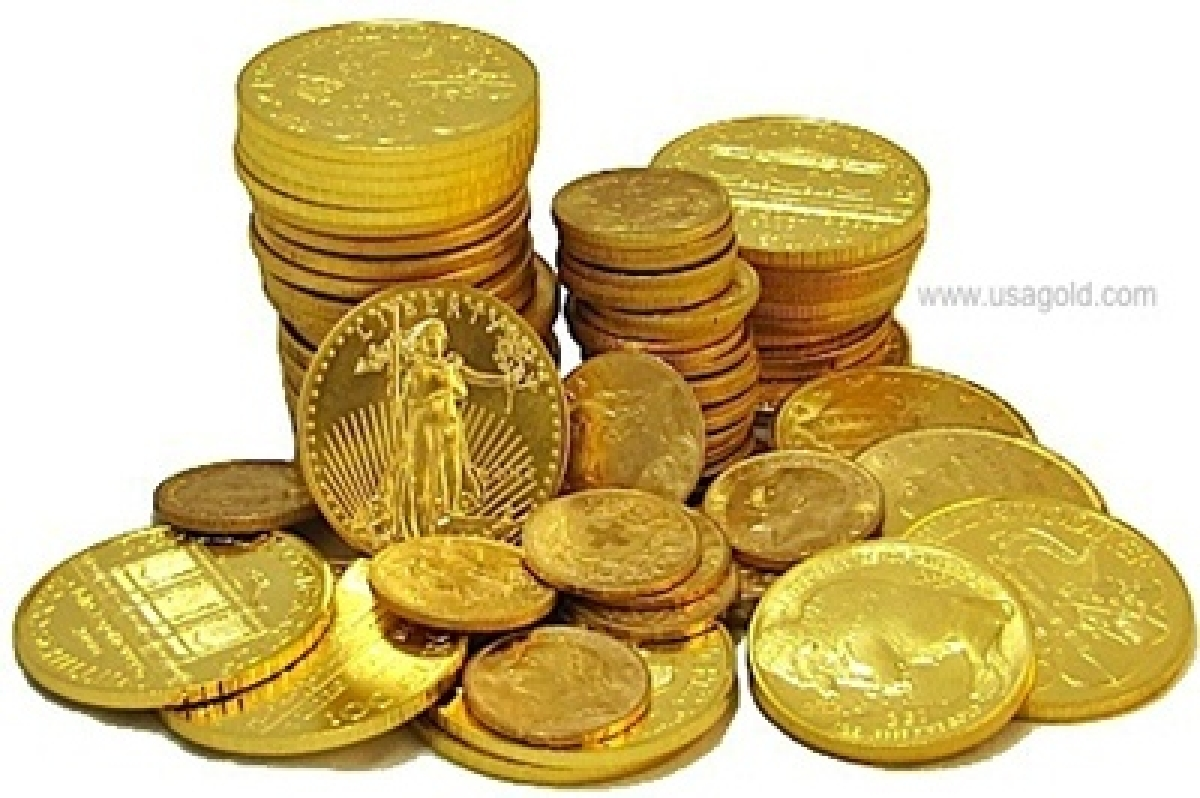 Gold rebounds on increased demand, global cues
