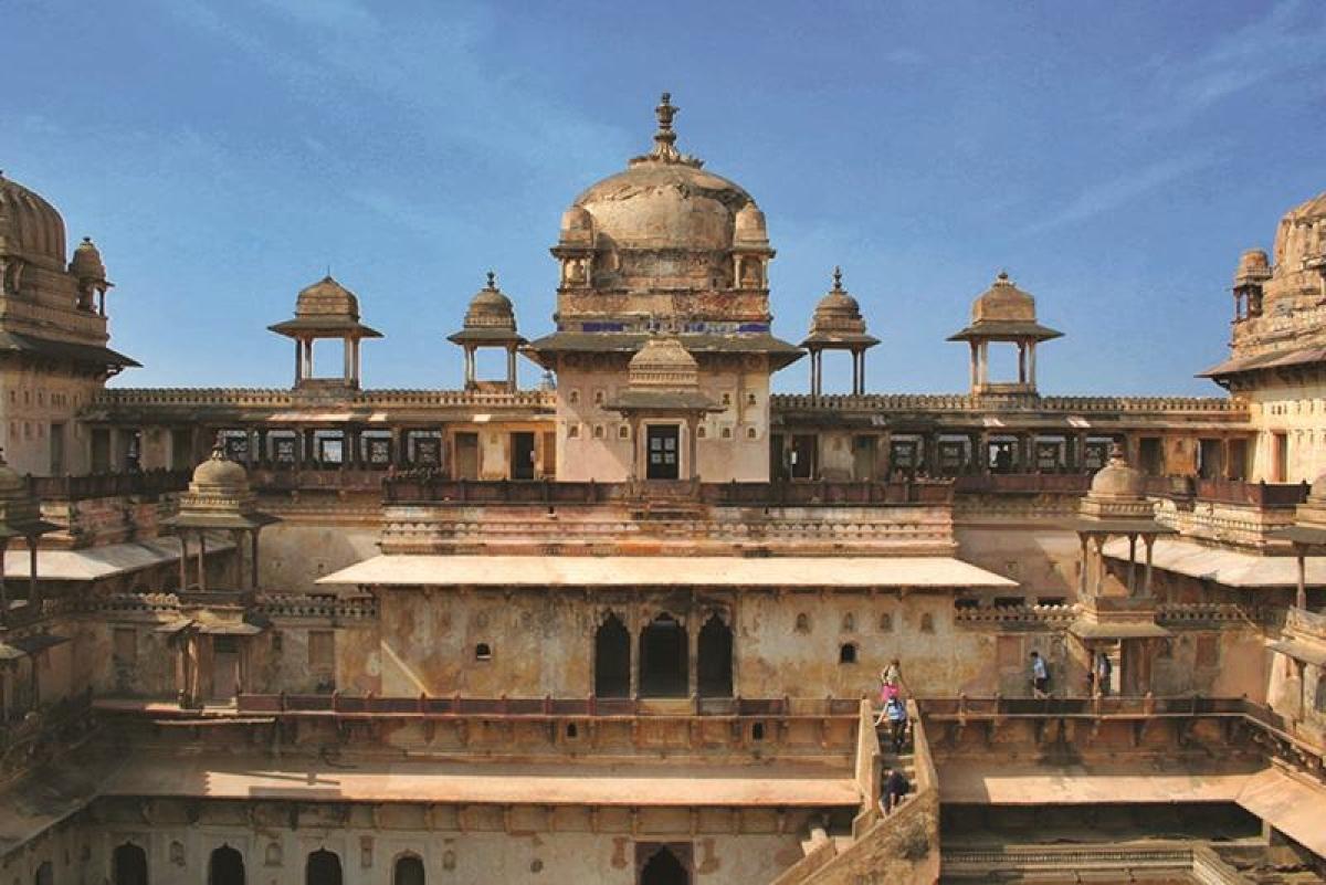 Jehangir Mahal<br />Picture credits: www.mptourism.com