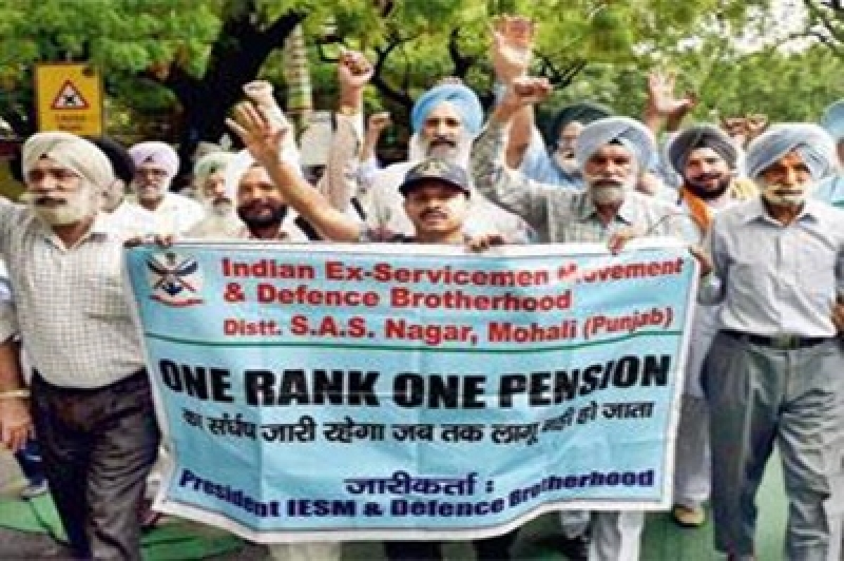 Military veterans return medals to protest OROP notification