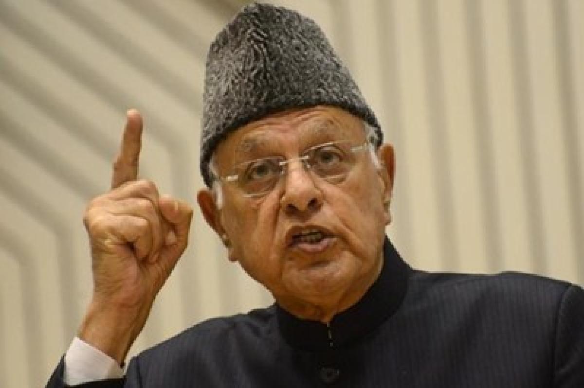 Farooq Abdullah applies for LPG subsidy; PDP flays him