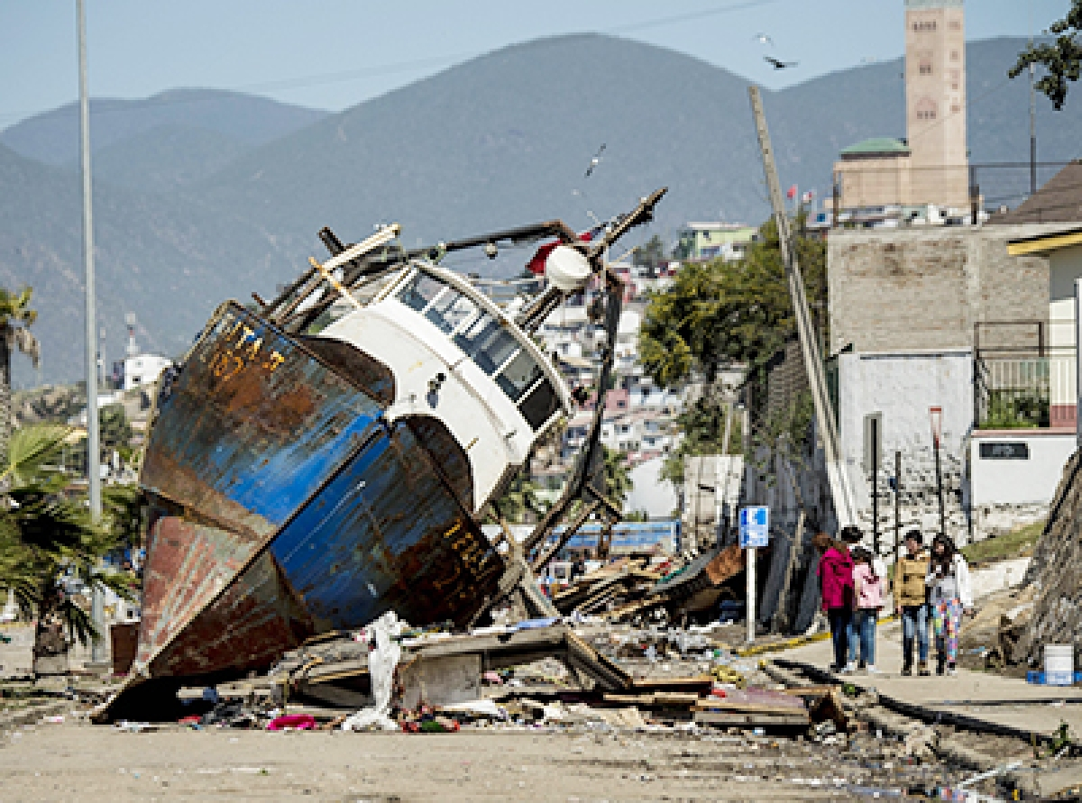 Chileans deal with aftermath of 8.3 quake