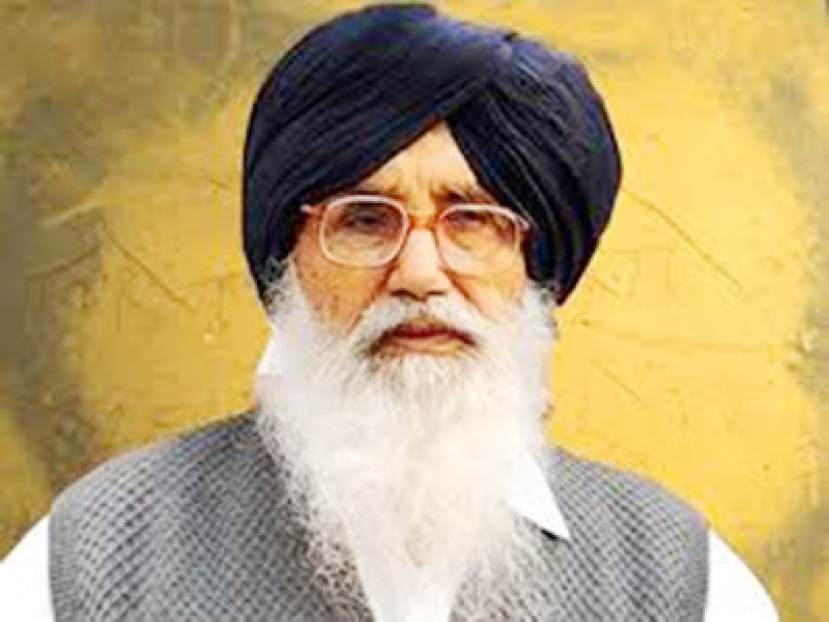 Deep-rooted  conspiracy behind book row: Parkash Singh Badal