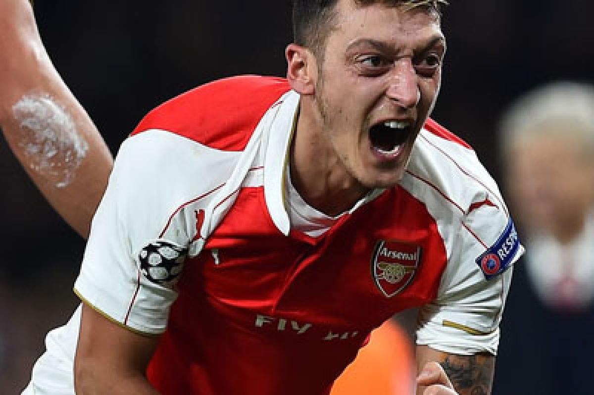 Arsenal revive ChampionsLeague hopes, Chelsea held