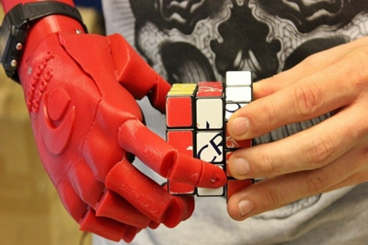 New 3D printed soft robot hand adapts to objects