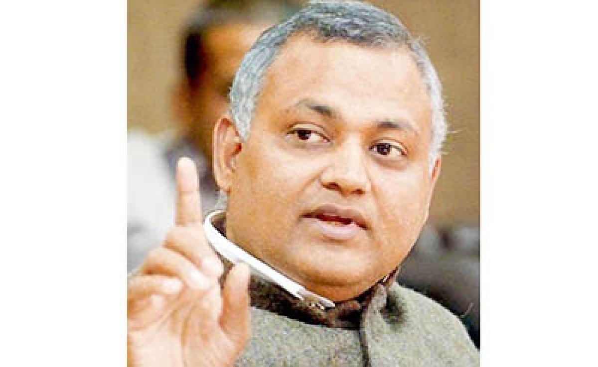 Somnath Bharti dares 'Modi police' to arrest him