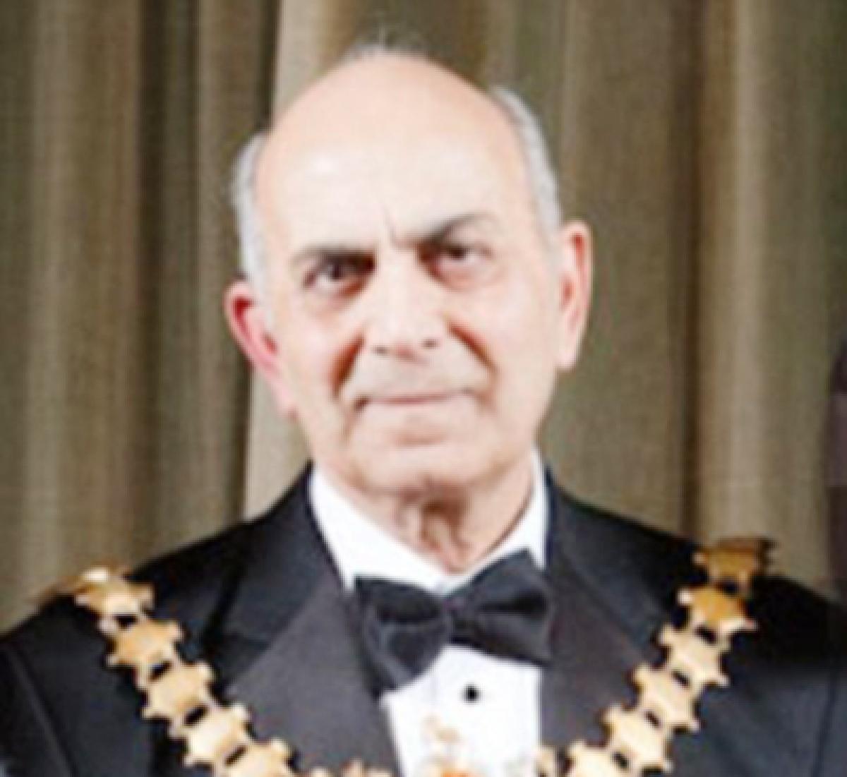 Indian-origin  former mayor  behind UK crash