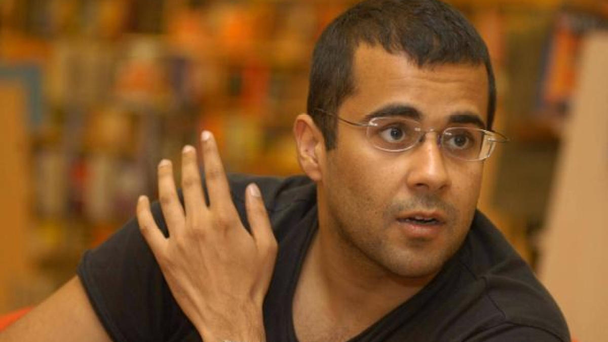'CAA+NRC is discriminatory', Chetan Bhagat explains why people are protesting