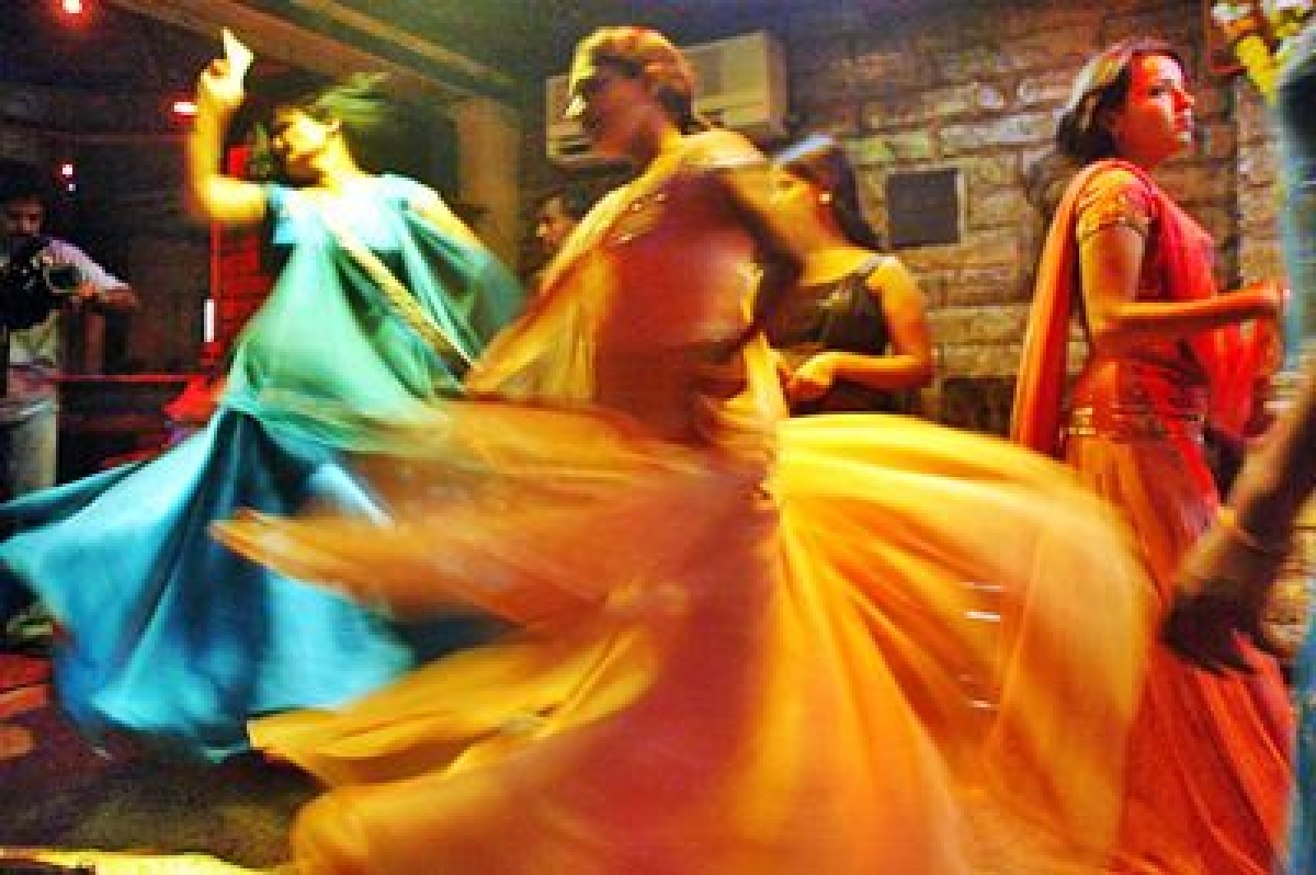 SC wants State to grant license to dance bars in 2 days