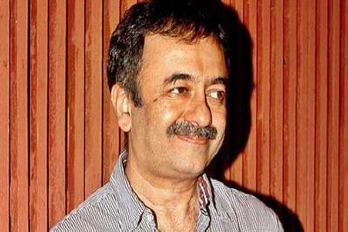 Raju Hirani at Pune airport to shoot his Munnabhai's arrival