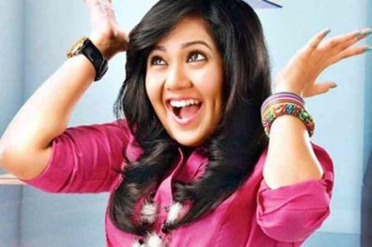 Don't want to associate myself with Mandana: Roopal Tyagi