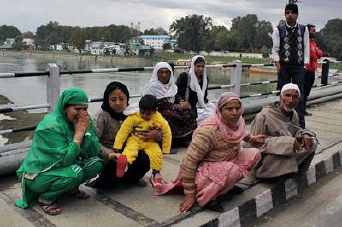 Day after quake, fear in Jammu and Kashmir