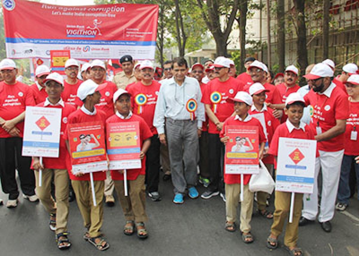 Prabhu flags off marathon aimed against corruption
