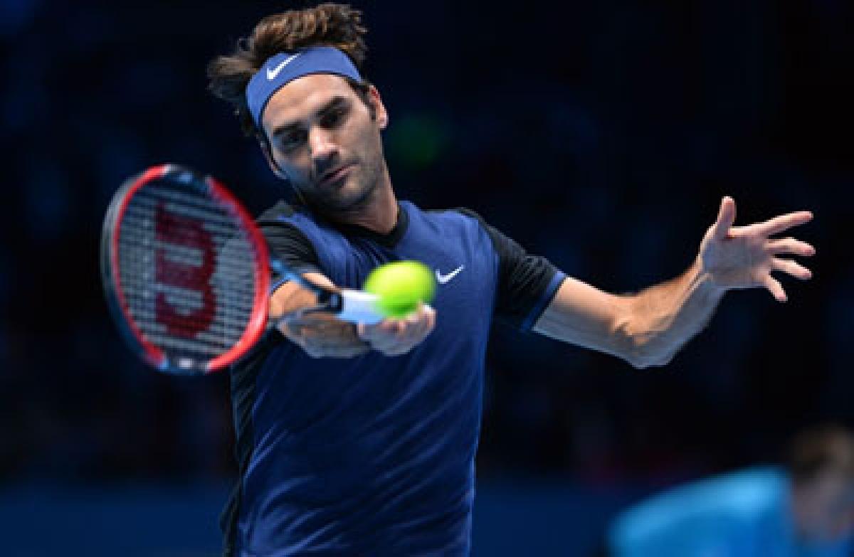 Federer snaps Djokovic's winning streak