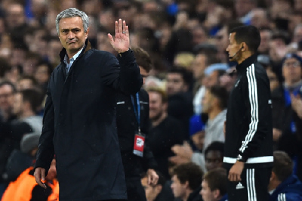Chelsea boss thanksfans for support