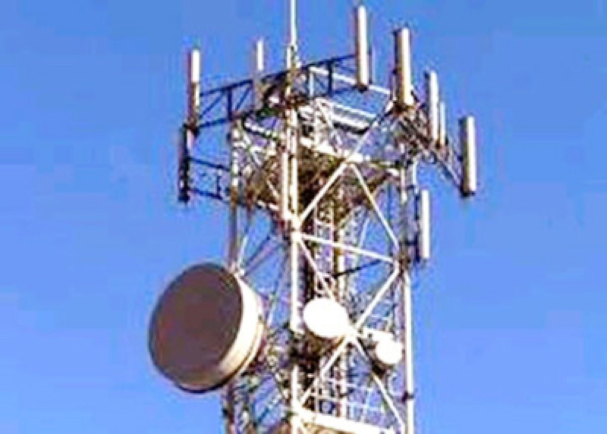 Top three telcos have enough 4G  spectrum to counter Jio: Analysts