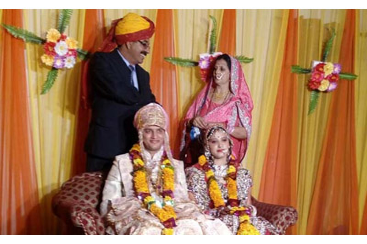 Newly-wed among 7 dead in chopper crash