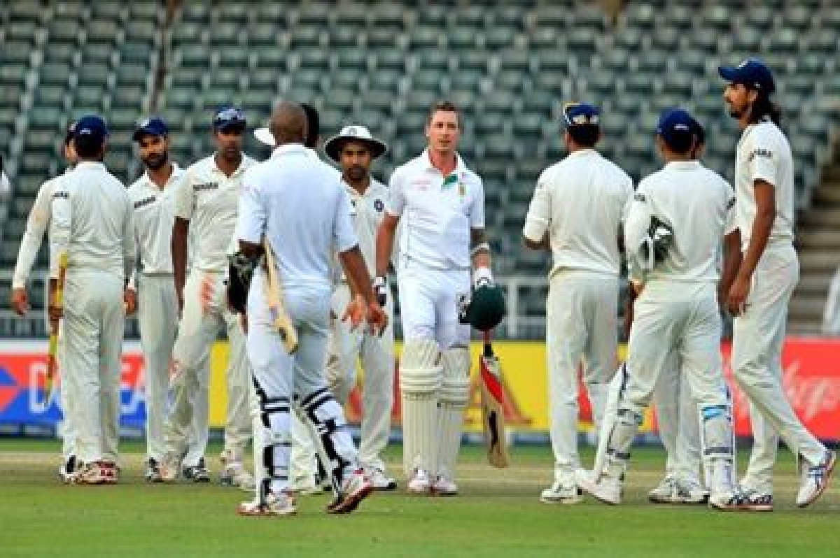 Indian spinners tighten grip on Proteas in Nagpur