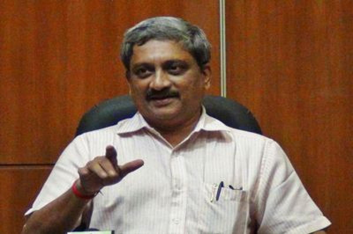Those linked to chopper deal got 'good positions': Parrikar