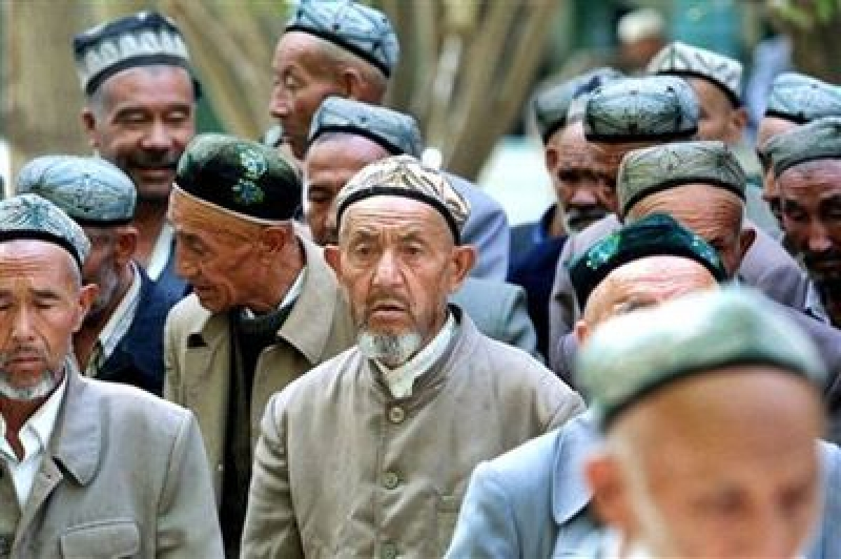 Forcing others to wear extremist garments is crime: China