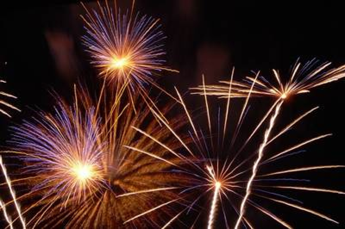 Celebrate 'green' Diwali by bursting crackers