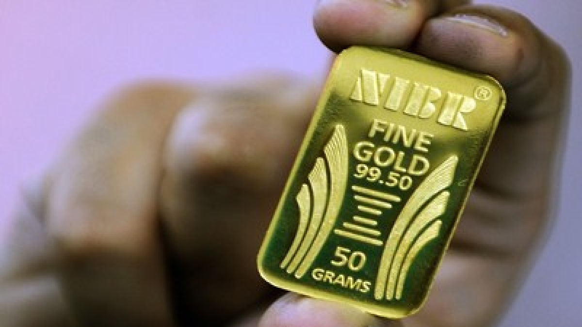 Gold price today: Yellow metal price rises to Rs 45,800 per 10 gram in futures trade