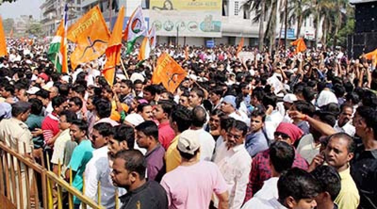 Sena hints  at truce with BJP